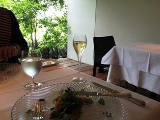 ル・ジャルダングルマンのスパークリングワイン.JPG